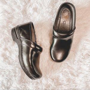 Dansko black leather clogs 39